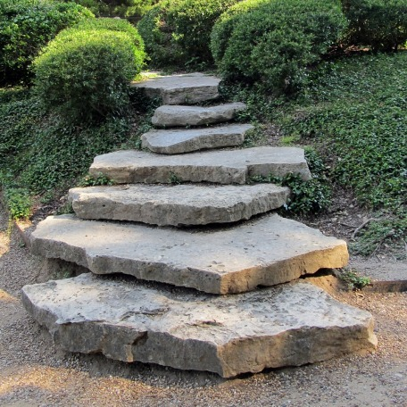 akmens-laiptai